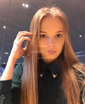 Guilene live escort
